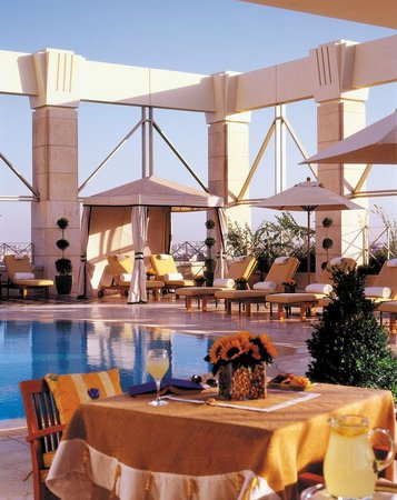 Four Seasons Hotel Amman: AMM Pool outdoor
