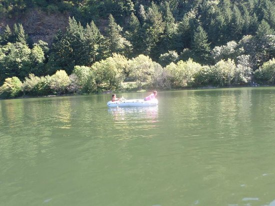 Corbett, OR: One day rafting and and maybe fishing activities are great!!!