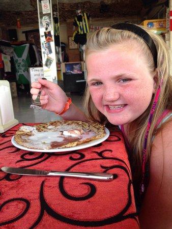 Sarahs Restaurnat and Fun Pub : Pancakes and ice cream  Yummy