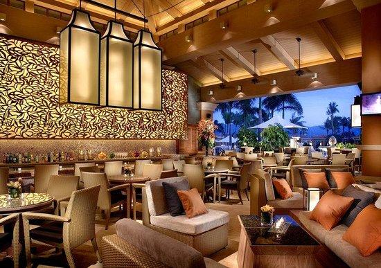Four Seasons Hotel Macau, Cotai Strip: Splash restaurant serves up a selection of seasonal starters, salads, burgers, sandwiches.