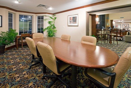 Staybridge Suites Milwaukee Airport South: Boardroom
