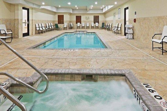 Staybridge Suites Oklahoma City: Swimming Pool
