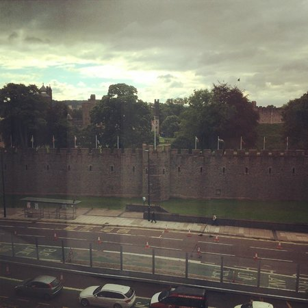 Hilton Cardiff : View of the castle