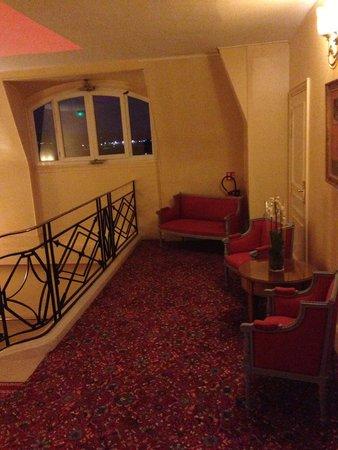 Hôtel Barrière Le Royal Deauville : Coin salon à l'étage
