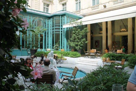 The Westin Paris - Vendome: Courtyard