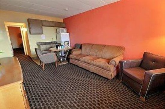 Seashire Inn & Suites: Queen Guest Room