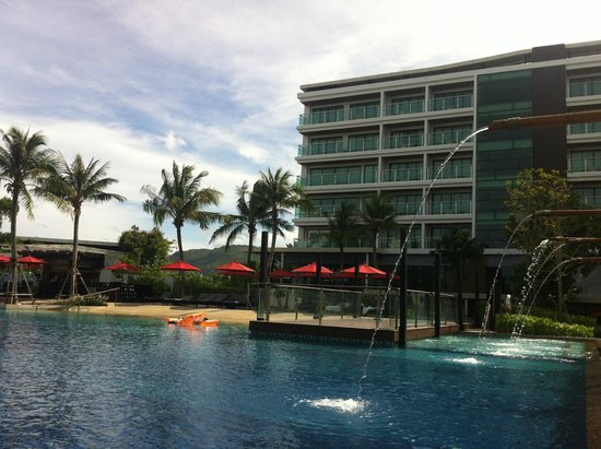 Amari Hua Hin: Pool area