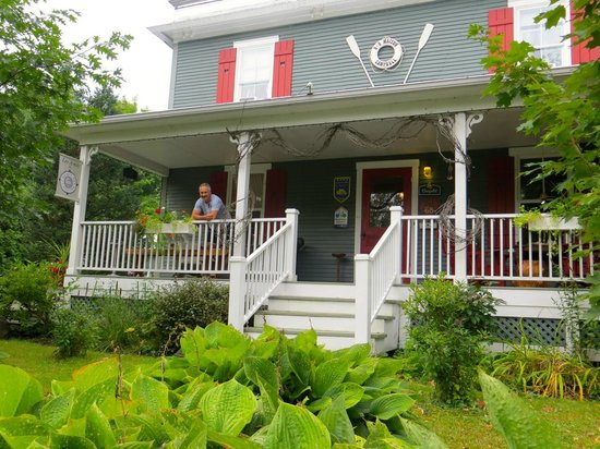 A la Maison Campbell B&B : front view of the B&B