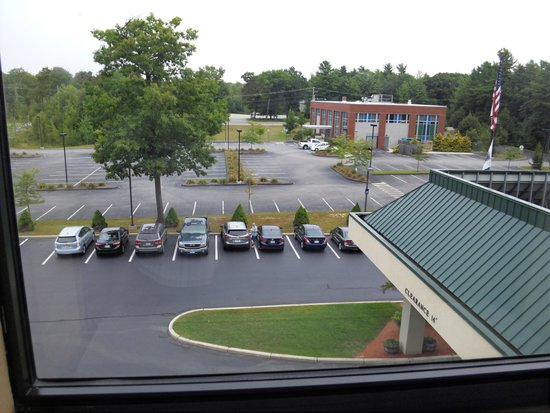 Hampton Inn Saco / Biddeford: Front  parking lot