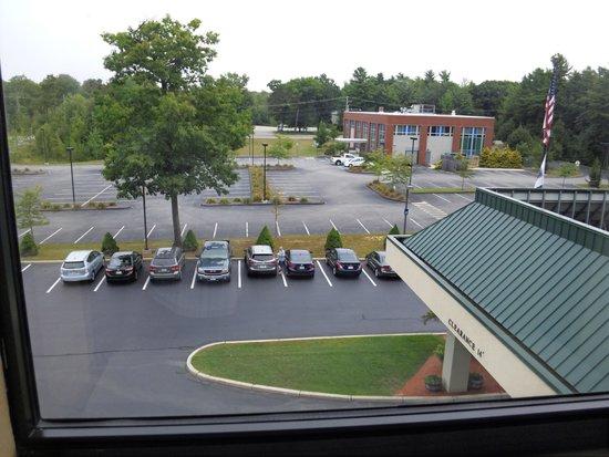 Hampton Inn Saco / Biddeford : Front  parking lot