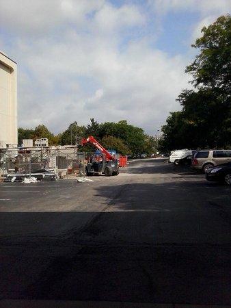 AmericInn Hotel & Suites Schaumburg : construction on hotel