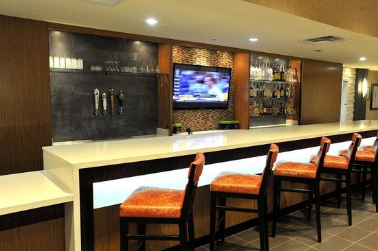 Holiday Inn & Suites Charleston West: Guest Dining Lounge