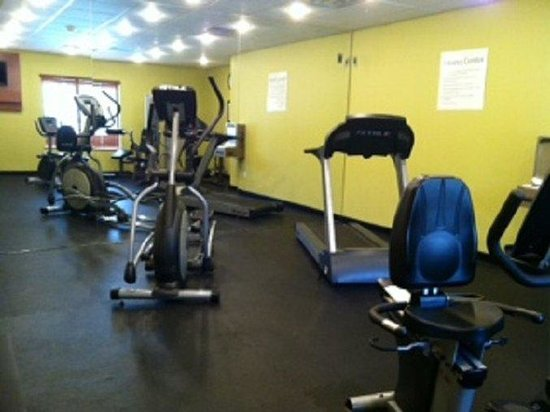 Holiday Inn Express & Suites Atlanta East-Lithonia: Fitness Center