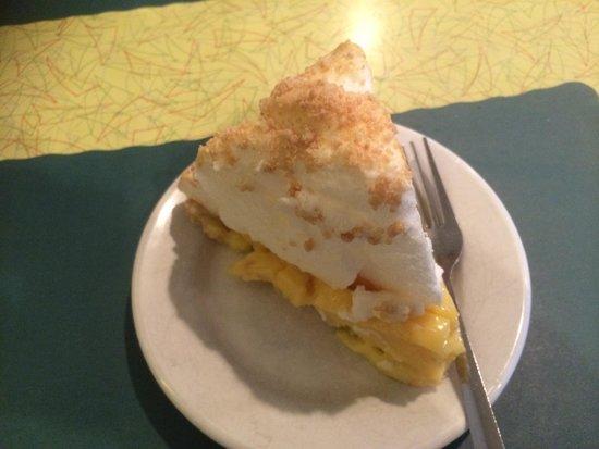 Peanut Butter Flavoured Lemon Meringue Pie Picture Of Southern Kitchen New Market Tripadvisor