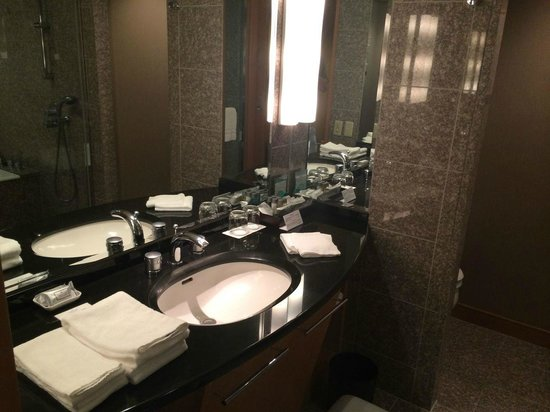 Cerulean Tower Tokyu Hotel: Clean and decent bathroom