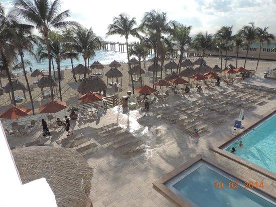 Newport Beachside Hotel and Resort: Vista da sacada do 5 andar - Maravilhoso, não?