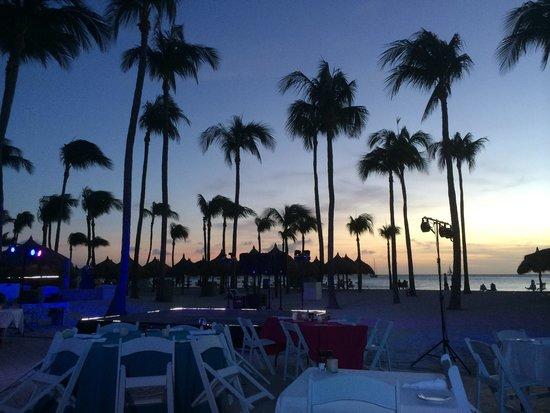 La Vista: Outdoor Dinner ocean view