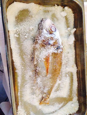 Hotel de la Tour: Red Seabream in salt crust, amazing! The fish was caught the same morning.