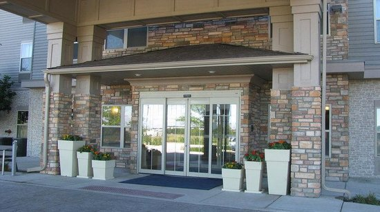 Holiday Inn Express & Suites Chicago West-Roselle: Entrance