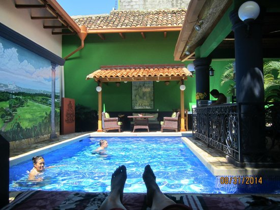 Casa Xanadu: View of the pool from the cabana!