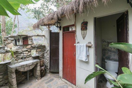 Eco Quechua Lodge: bathroom and hot shower