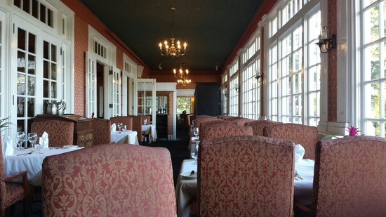 Columbia Gorge Hotel : Dinning room