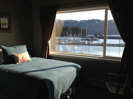 Seldovia Boardwalk Hotel: Nice room, nice view