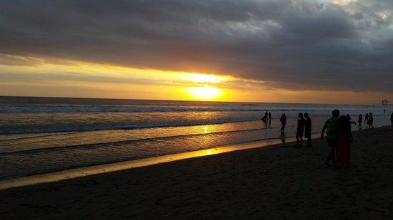 Bali Mandira Beach Resort & Spa: Bali Sunset