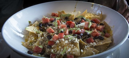 The Lodge Restaurant at Black Butte Ranch: Chile Verde Nachos in the Aspen Lounge