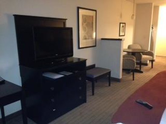 Holiday Inn Express & Suites El Paso Airport Area: TV-table