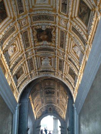 Porta della Carta: 階段の天井