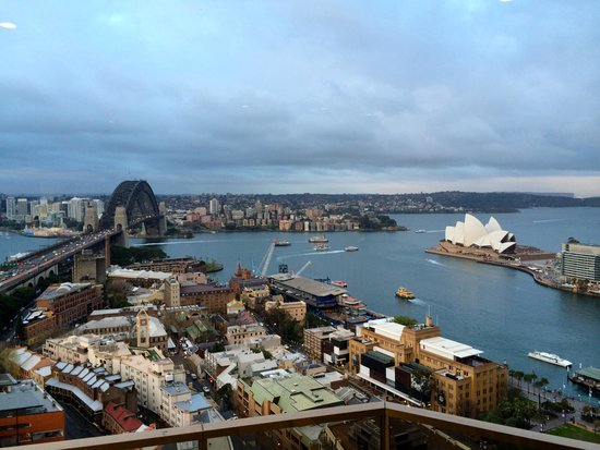 Quay West Suites Sydney : The Bridge and Opera House!