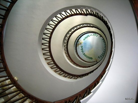 Hotel Los Angeles &Spa: Staircase