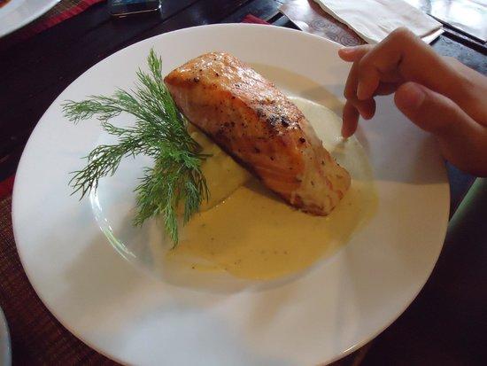 KOTO Van Mieu Training Restaurant : Grilled salmon
