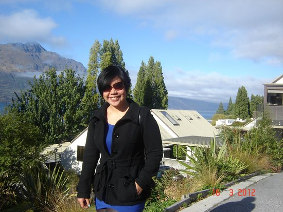 Hotel St Moritz Queenstown - MGallery Collection: walk down from the hotel