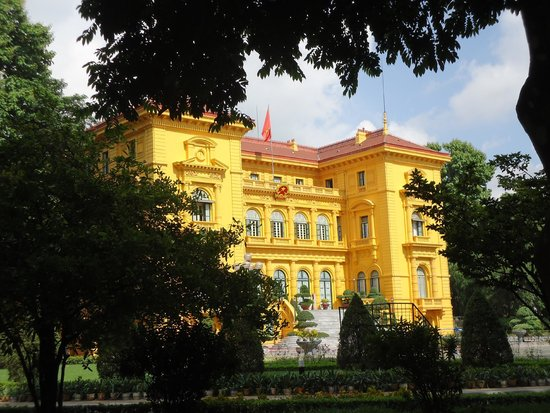 Ho Chi Minh Presidential Palace Historical Site: Palace used for meeting dignitories
