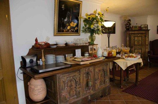 Hotel Ferienhaus Fux: Buffet petit déjeuné