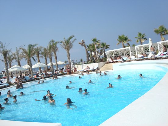 Piscine picture of riviera hotel beirut beirut for Piscine olympique