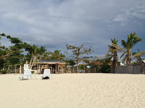 AABANA Beach & Watersport Resort Malapascua: Resort front