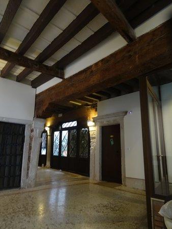 Residence Ca' Foscolo: Main foyer to buiding