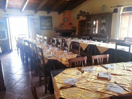 La sala da pranzo picture of agriturismo fattoria s imbiligu sennariolo tripadvisor - Paul signac la sala da pranzo ...