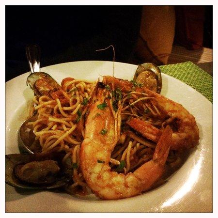 Pelican Kipos: Pasta with shrimps