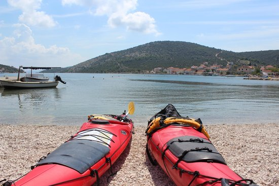 Red Adventures Croatia: The kayaks with a nice croatian view