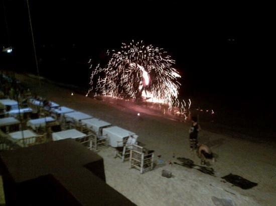 "Hansar Samui Resort : ""bbq dinner with fire show @ the wharf..."""