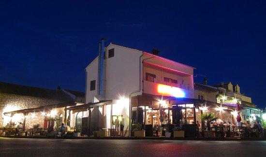 Konoba Denis - Restaurant & Grill