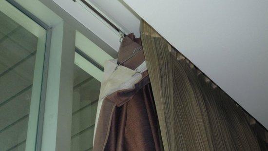 Urbana Sathorn: すべての部屋でカーテンがスムーズに動くことは無かったです。