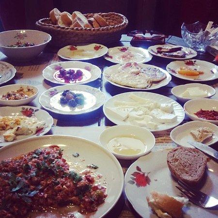 Cafe Privato : Turkish breakfast