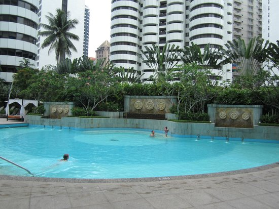 Swimming pool picture of shangri la hotel kuala lumpur - Homestay in kuala lumpur with swimming pool ...