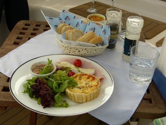 Cafe Cruises: Lunch!