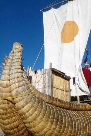 Inca Utama Hotel: Музей тростниковых лодок